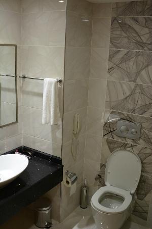 Sirin Park Hotel: Ванная комната