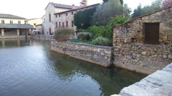 Bagno Vignoni San Quirico d\'Orcia - Picture of Terme Bagno Vignoni ...