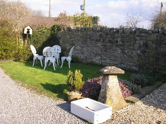 Hillview Farm Bed & Breakfast : The garden