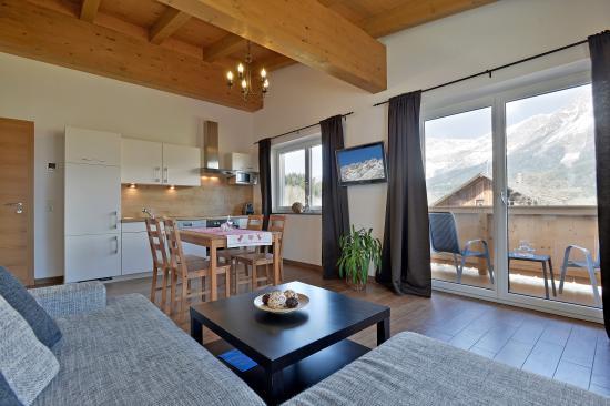 Appartementhaus Tanja: Wohnraum mit Balkon Wilder Kaiser