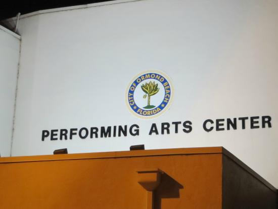 Ormond Beach Performing Arts Center: Nice place to see a show!