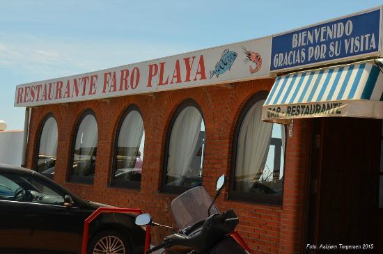 Restaurante Faro Playa: Inngansparti