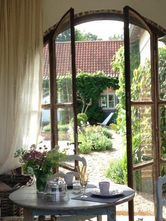Le Pre Rainette, Chambres d'Hotes de Charme : le porche