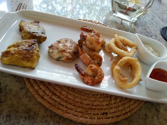 Galle Fort Hotel Restaurant: seafood plate