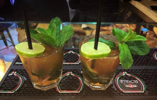 VINO e FOCACCIA - Cocktail & Wine Bar