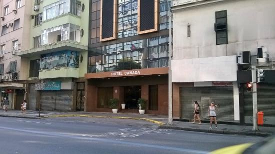 Grande Hotel Canada : Excelente ubicacion a 200 mts de Playa de Copacabana