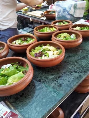 Marron Sea View Resort : Очень вкусно готовят в сыроедческом ресторане. Это салаты