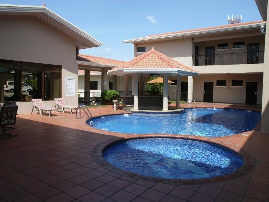 Hotel galer a panama desde santiago de veraguas for Piscina hotel w santiago