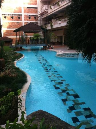 Golf Course Hotel: Piscina