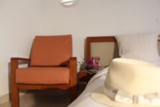Literie De Luxe Salle De Douche Contemporaine Salon T L Vision Cran Plat Avec Chaines Satell