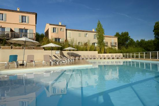 Pierre vacances residence les coteaux de pont royal mallemort frankrijk foto 39 s reviews - Pont royal en provence office du tourisme ...