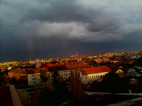 ‪‪Oradea‬, رومانيا: Oradea Fortress 2014 before storm‬