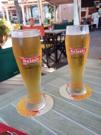 Pauline's Apartments Aruba: Bier smaakt goed op Aruba