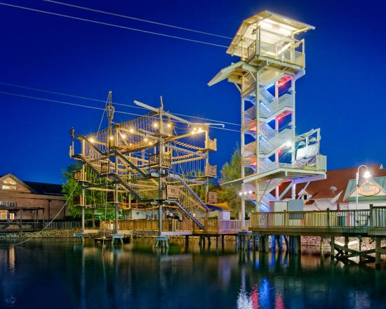 Explore Zipline And Ropes Course