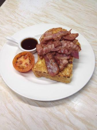 Hoops Coffee Shop: french toast, bacon & maple syrup