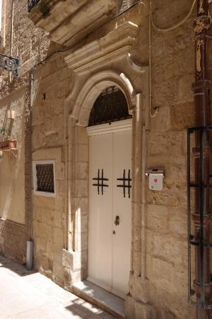 Indulgence Divine: Front door