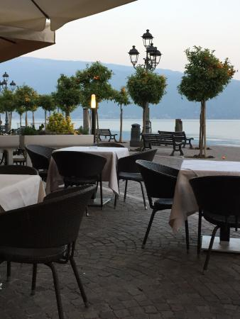 "Ristorante ""Al Miralago"" da Carlo e Ilaria: Outside seating."
