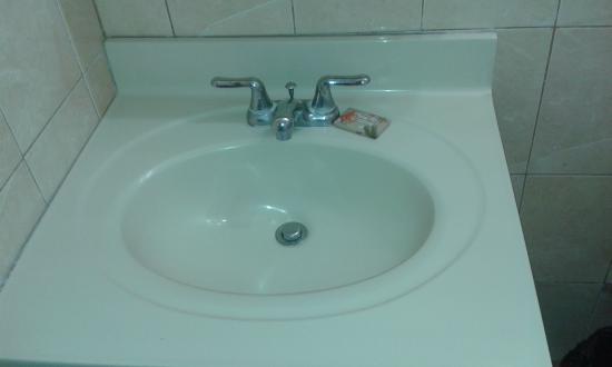 Johnston Apartments: Sink