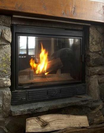 Chalet Lucette: Cosy fire place