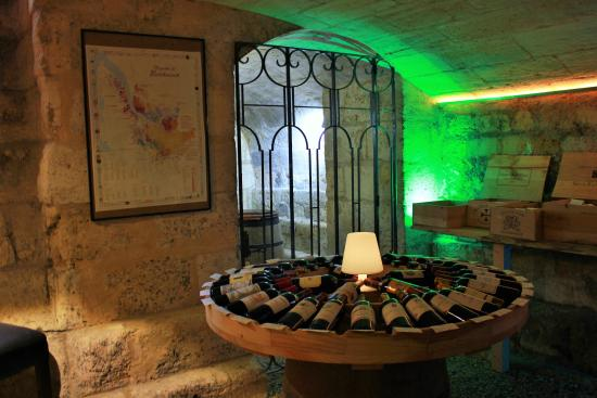 In our fabulous 18th century underground cellar we also invite you ...