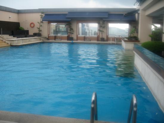 Pacific Regency Hotel Suites: Vue