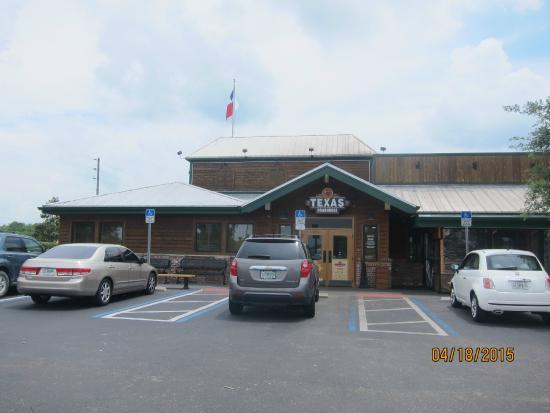 Texas Roadhouse: exterior
