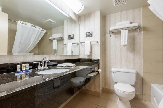 BEST WESTERN Belleville: Bathroom