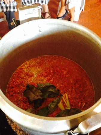 Bumbu Bali Cooking School: chicken paste