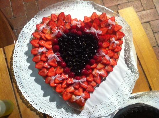 Osteria del Sagrantino: Crostata di fragole e frutti di bosco