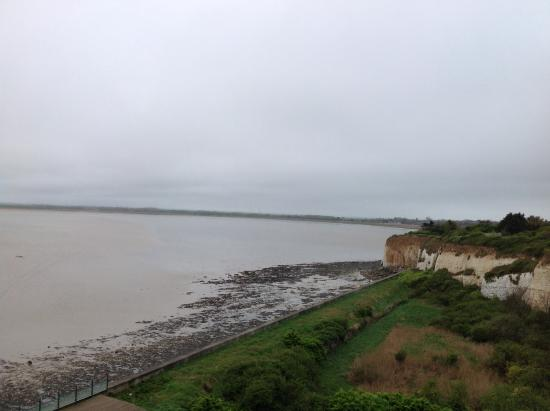 Pegwell Bay Hotel: View over Pegwell Bay from bedroom.