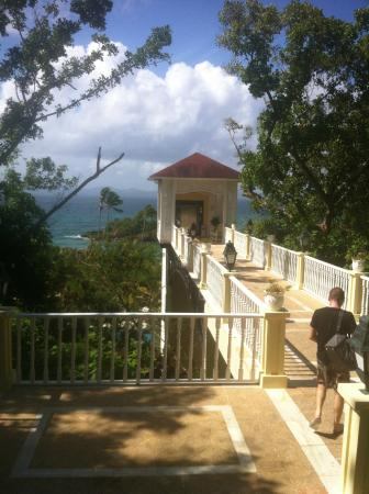 Luxury Bahia Principe Samana Don Pablo Collection: Elevator to beach