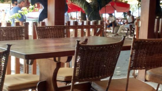 Pousada O Pescador: mesa cafe