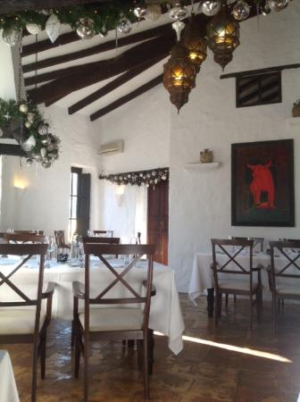 Taberna Antigua: A nice view from a corner in the restaurant