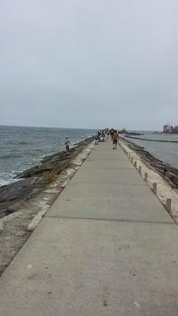 Surfside Jetty Park: Care to take a stroll on the jetty and watch the ships?
