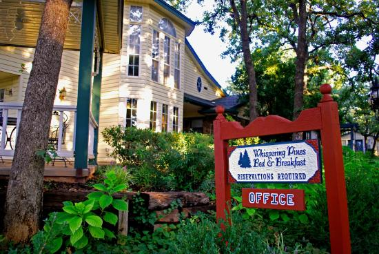 Whispering Pines Bed and Breakfast: Whispering Pines Main Office