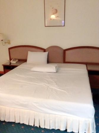 Kosit Hotel: ห้องเตียงเดี่ยวราคา 780 บาท