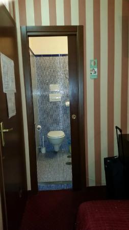 Le Camere Della Principessa B&B: ingresso bagno