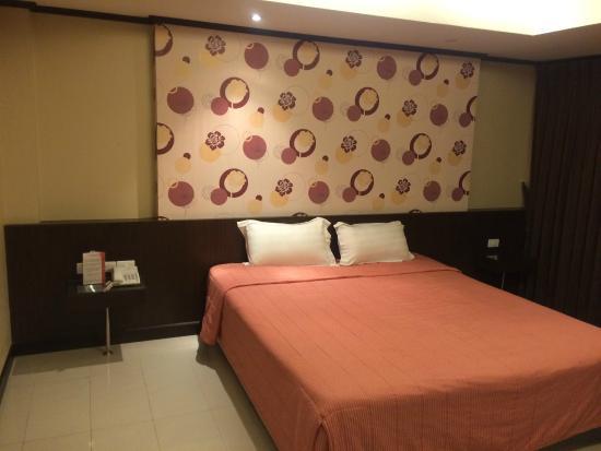 Avana Bangkok Hotel : room is run down