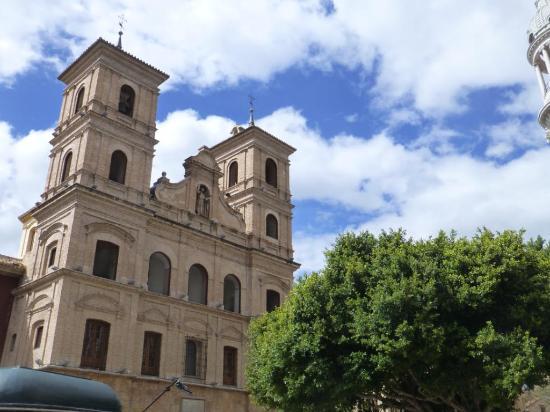 Iglesia de Santo Domingo: FACHADA POSTERIOR