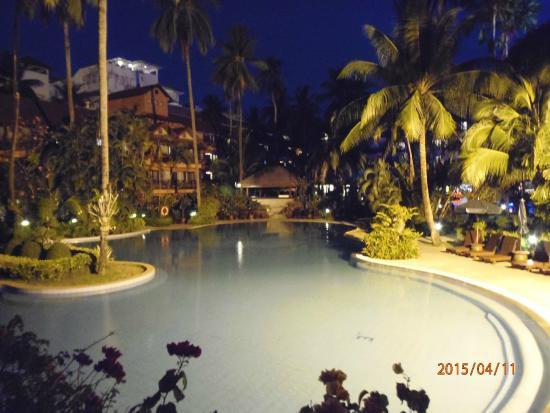 Patong Merlin Hotel Pool At Night