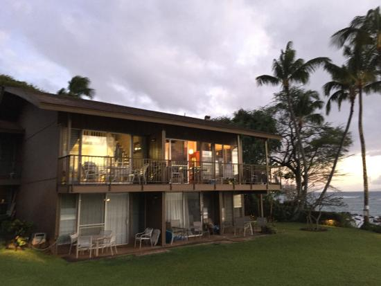 Polynesian Shores: On top floor, south side, our appartment with 2 bedrooms