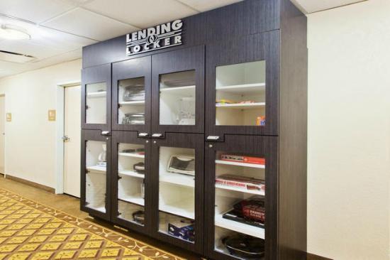 Candlewood Suites Lexington : Lending Locker