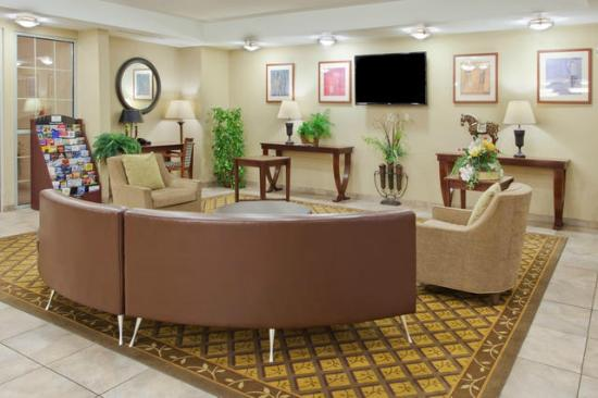 Candlewood Suites Lexington: Lobby