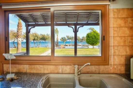 Elya Beach Luxury Suites: View from Kitchen