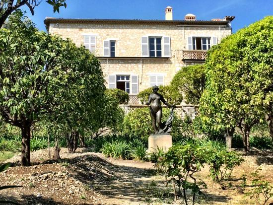 Renoir house model