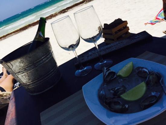 Playa Esperanza: Ostriche e Champagne !!!