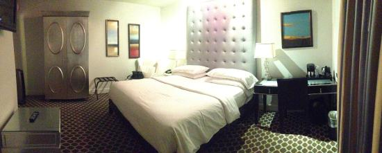L.A. Sky Boutique Hotel: Super cute room.