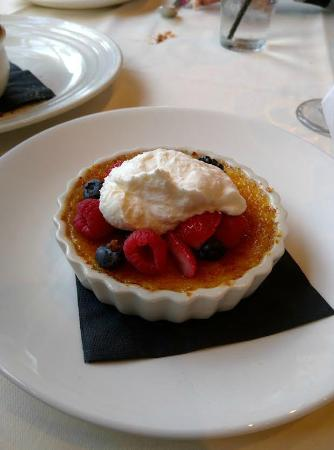 TAPS Fish House & Brewery - Dos Lagos: Creme Brulee