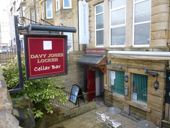 The Clarendon Hotel: The Davy Jones' Locker Cellar Bar