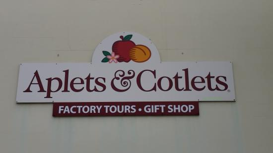 Aplets & Cotlets Candy Kitchen & Country Store: Sign